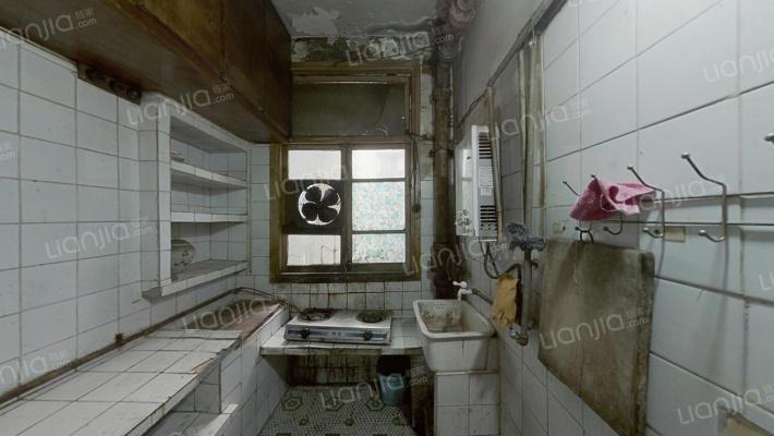 正规两室一厅,户型方正!电梯房!