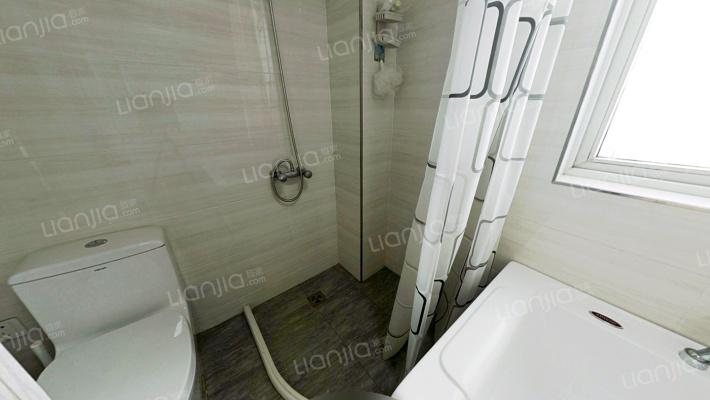 精装四房,业主诚心出售,洋房品质电梯房