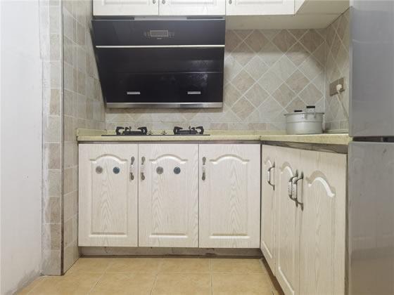 龙头寺 鲁能星城十二街区五房2600元/月